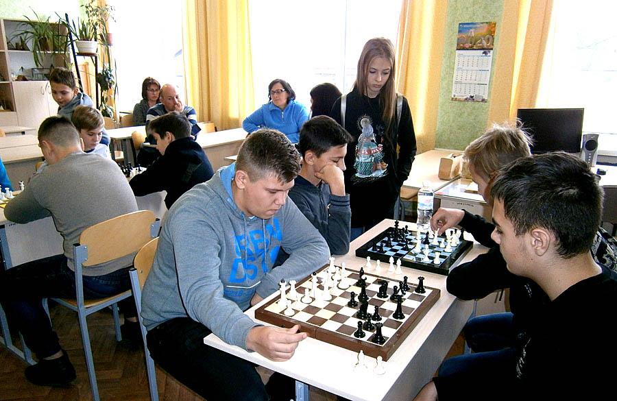 Финал турнира Харьковского района по шахматам среди школ