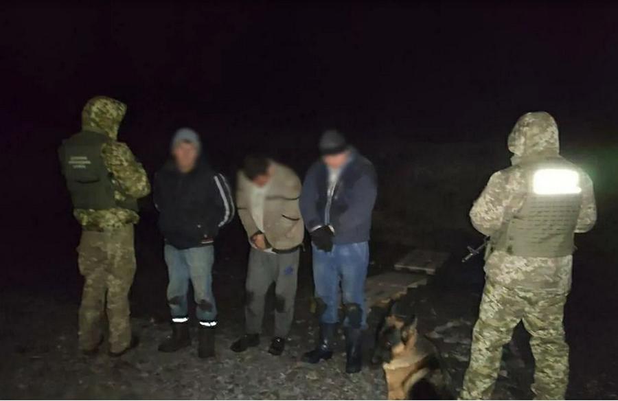 Пограничники Харьковщины наловили красной икры