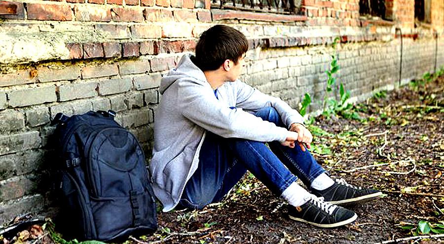 Суїцид серед підлітків: біля витоків проблеми