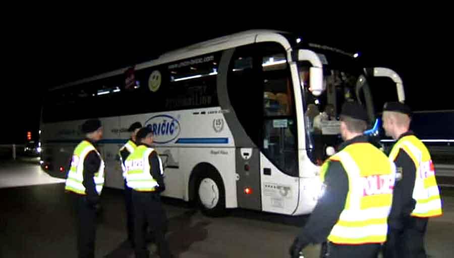 Автобус из Украины не пустили в Польшу