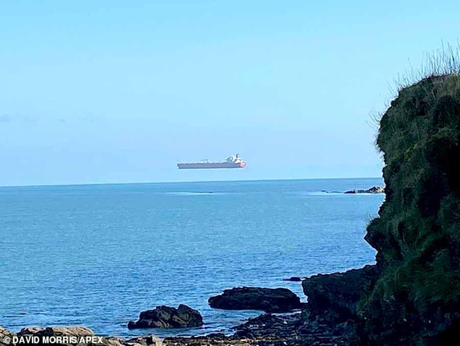 Почему «летают» корабли в Британии