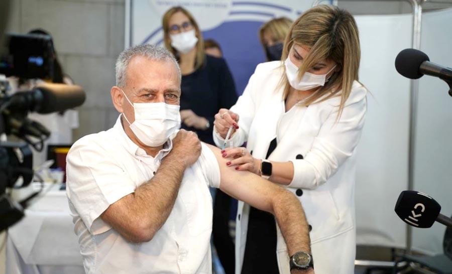 Миокардит у десятков вакцинированных