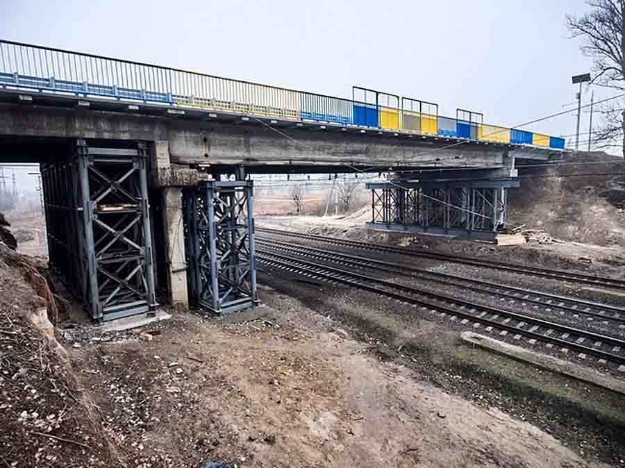 На окружной Харькова закроют движение по мосту возле Песочина