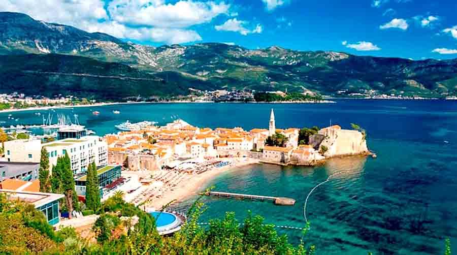 Черногория ждет туристов