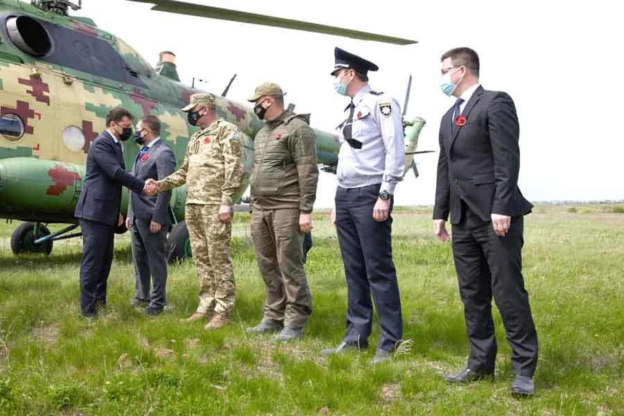 Зеленский поехал в Луганскую область