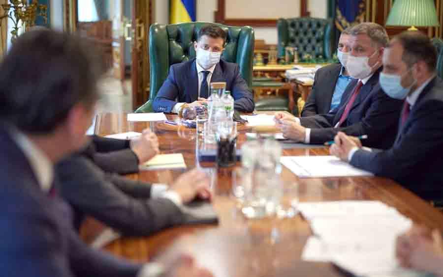 Украина прекратит полеты над Беларусью
