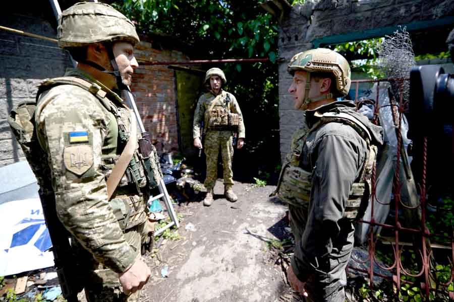 Сегодня Зеленский был на Донбассе