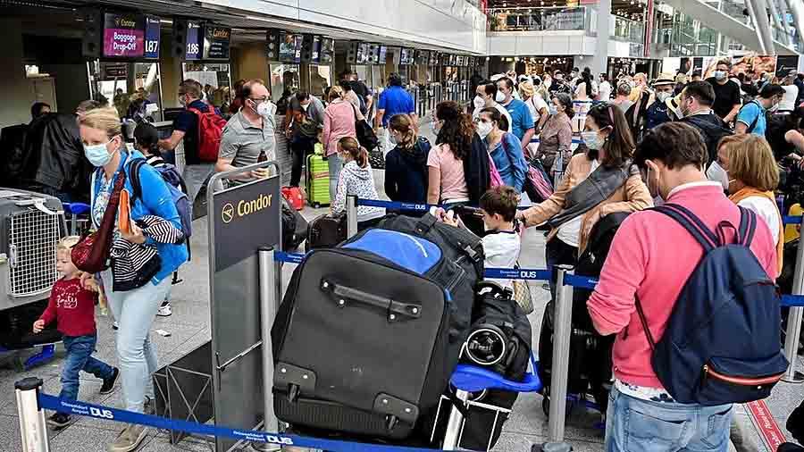 Германия смягчает карантин для туристов из 5 стран