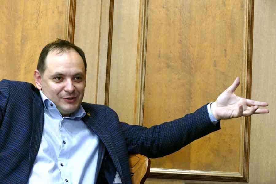Мэра Ивано-Франковска атакуют обманутые женщины