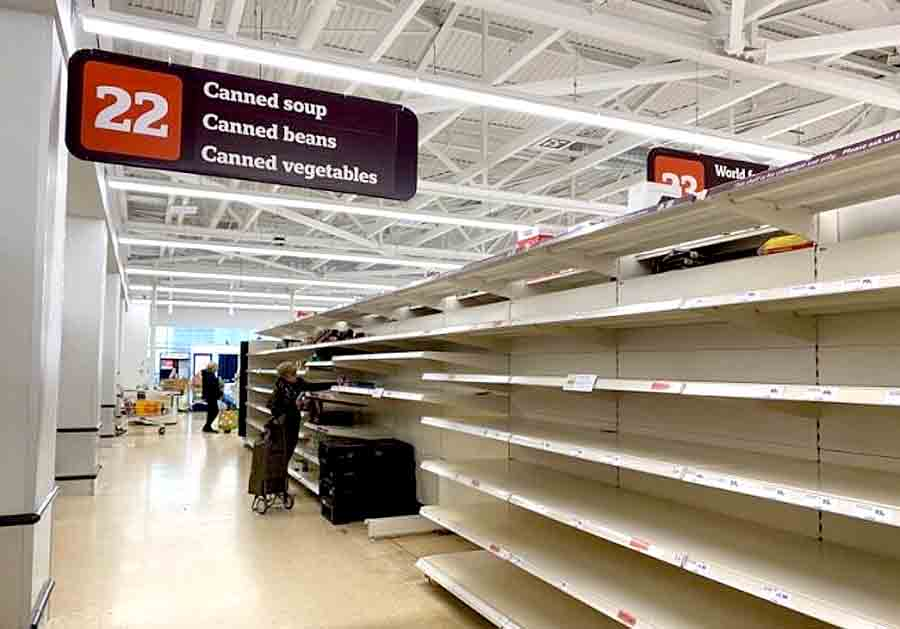 В Великобритании пустые полки в магазинах
