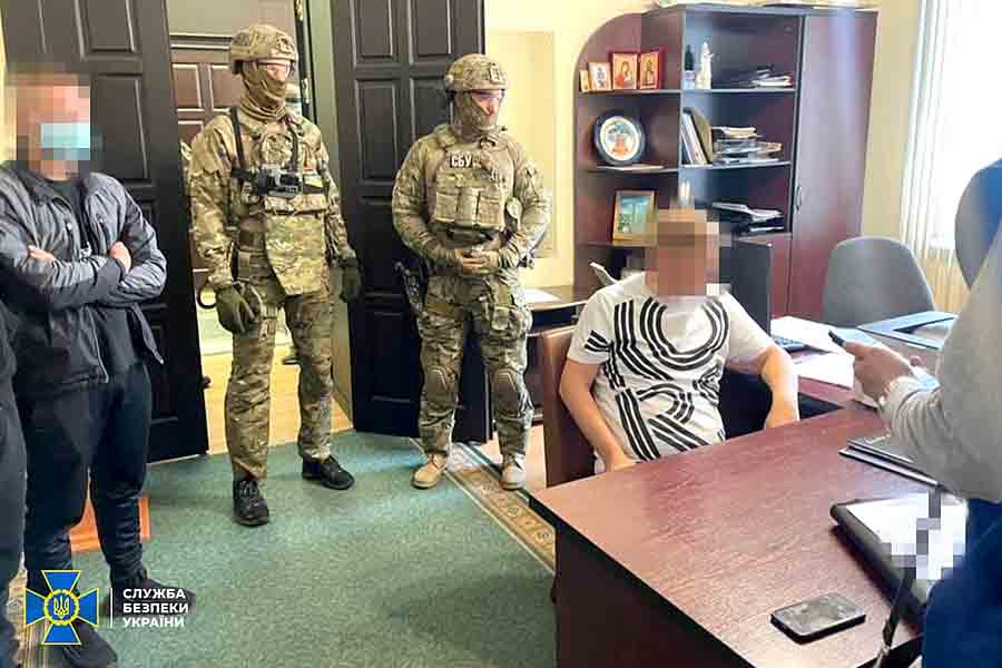 В Полтаве арестовали за взятку депутата и чиновника: видео